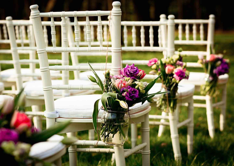 Düğün için Masa ve Sandalye Giydirme Süsleri