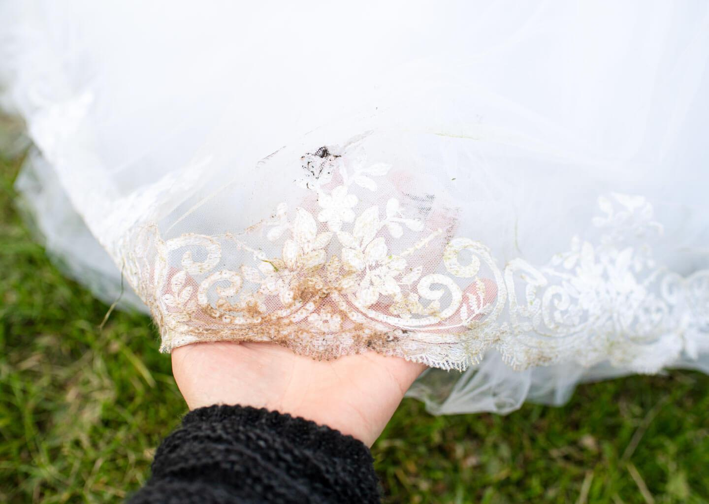 Düğün acil durum çantasında bulunması gereken leke çıkarıcılar. Gelinlik nasıl temizlenir, nasıl temizlenmeli?
