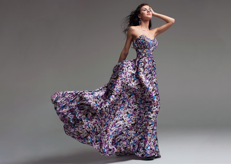Uzun Boyluların Vazgeçilmezi: Uzun Renkli Yaz Düğünü Elbisesi