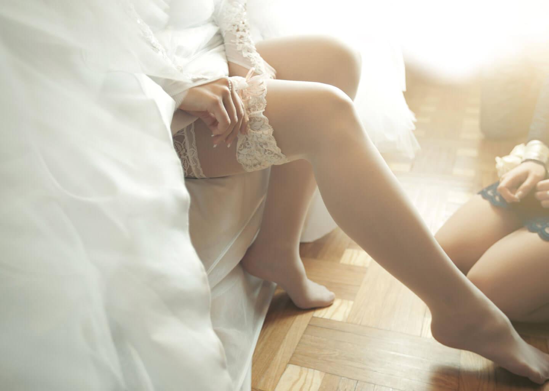 Düğün acil durum çantasında bulunması gereken yedek gelin çorabı